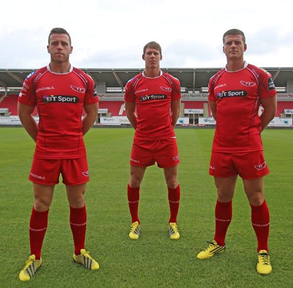 New Scarlets Rugby Jersey 2015 2016